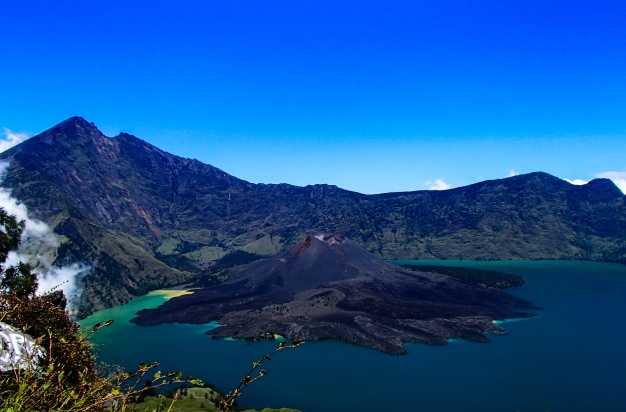 Photo of the week: Mount Rinjani, Lombok, Indonesia.