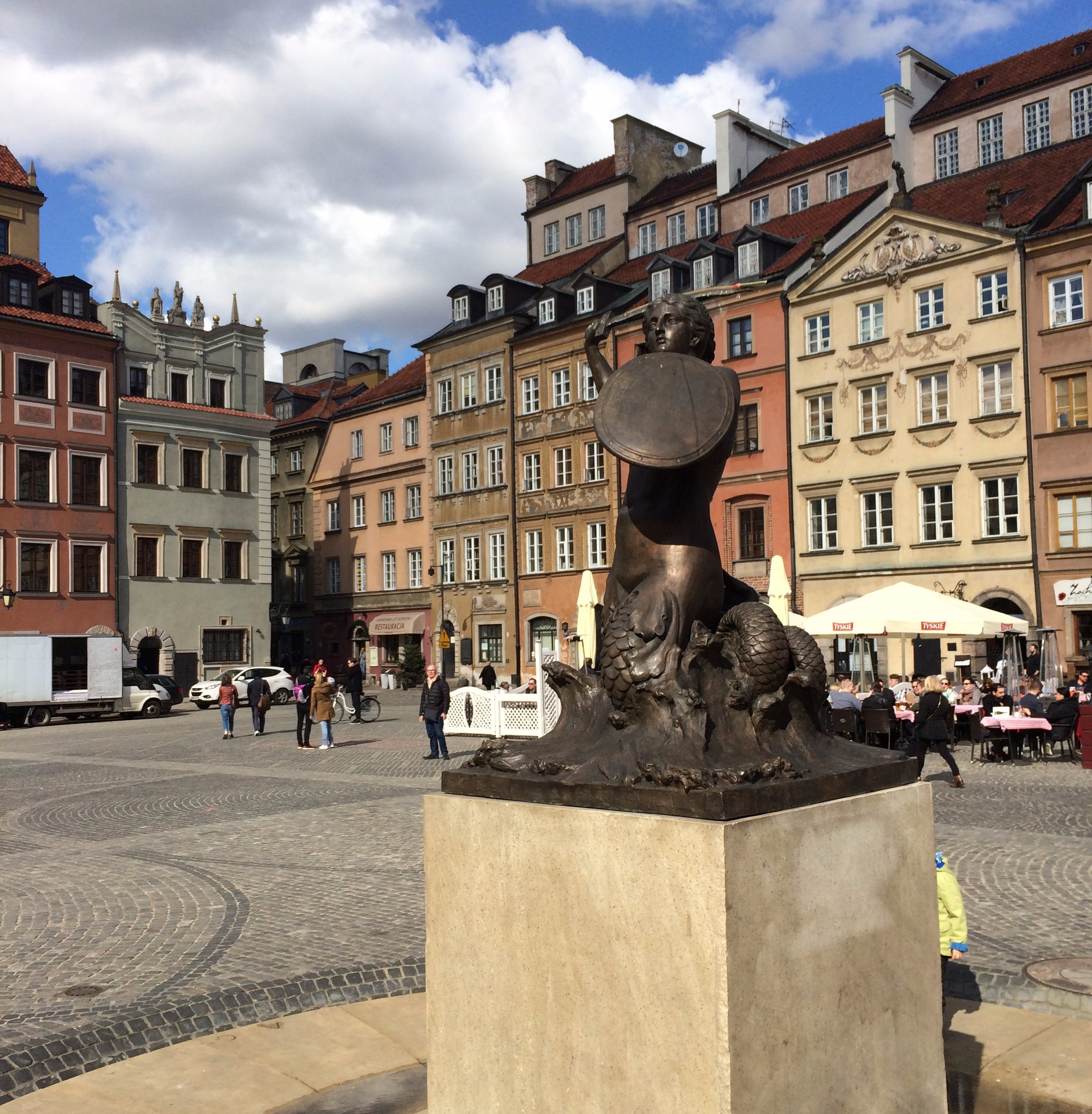 City break in Warsaw, mermaid statue old town
